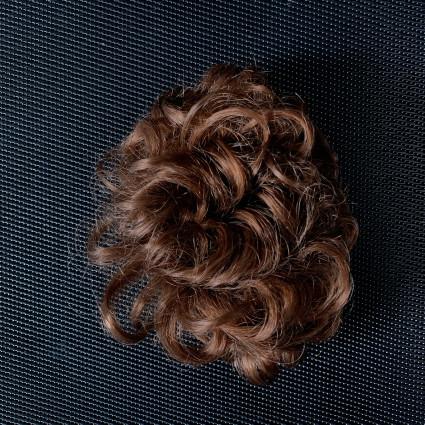 Perruque cuivrée de Kiki coiffure
